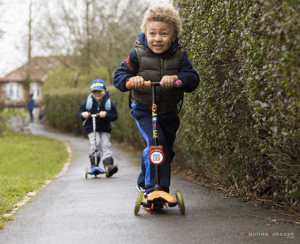 boys-on-scooters-with-scoot-lock