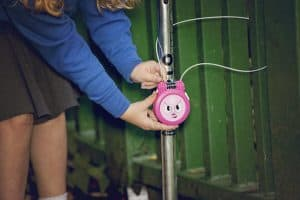 girl-scoot-lock